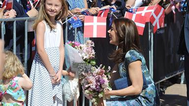 Crowds flock to Opera House to greet Princess Mary and Prince Frederick