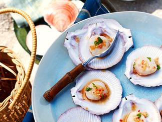 Scallops with ginger and lemon grass
