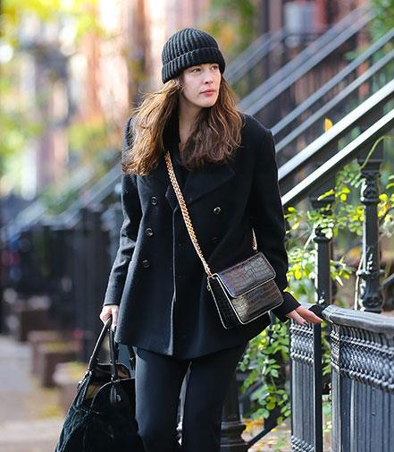 Liv Tyler without a stitch of makeup on walking the streets of New York.
