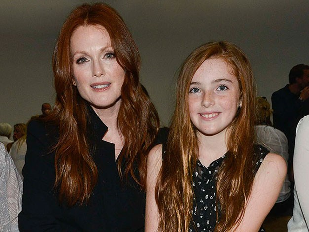 Julianne Moore and her daughter Liv share the same flame-coloured hair.