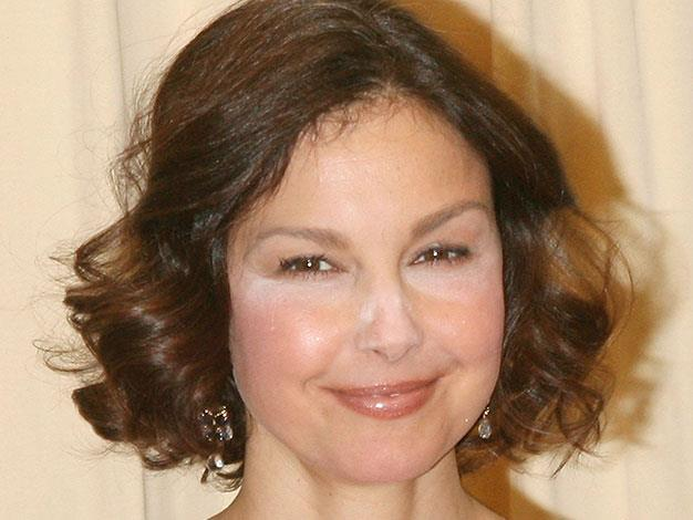 Ashley Judd stepped out in badly blended makeup in April 2011.
