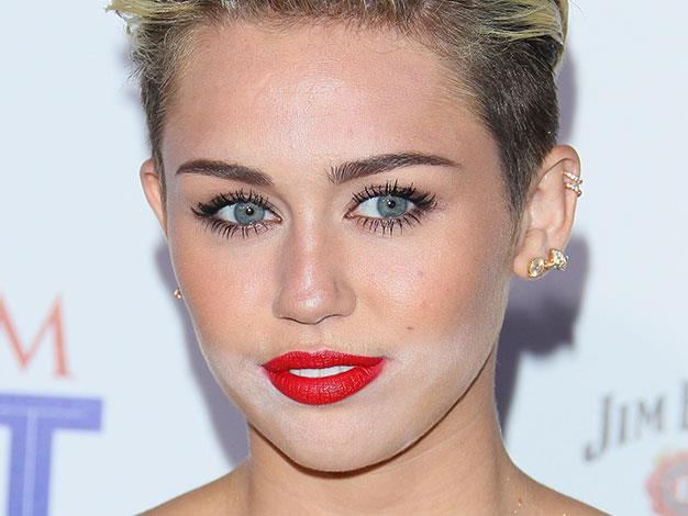 Miley Cyrus had a powder mishap at the Maxim Hot 100 Party in May this year.