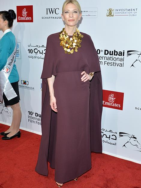 Cate channels some ethereal elegance in this mauve marvel with chunky gold accessories at the Dubai International Film Festival in December.