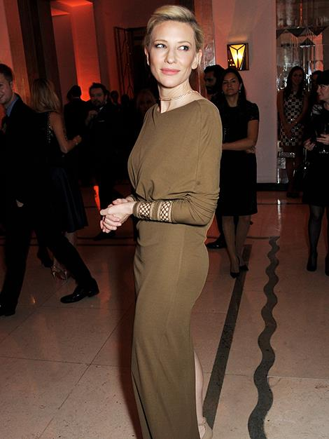 Cate looks amazing in this fitted olive ensemble she wore to the Harper's Bazaar Woman Of The Year Awards in November.