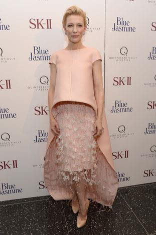 While it was a little avant garde, Cate was nothing but beautiful in the Balenciaga gown she donned at Blue Jasmine premiere in New York.