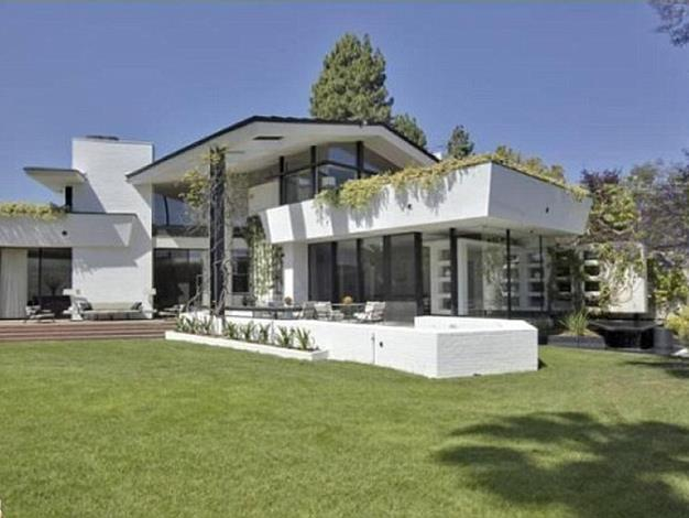 The home is considered an architectural masterpiece.