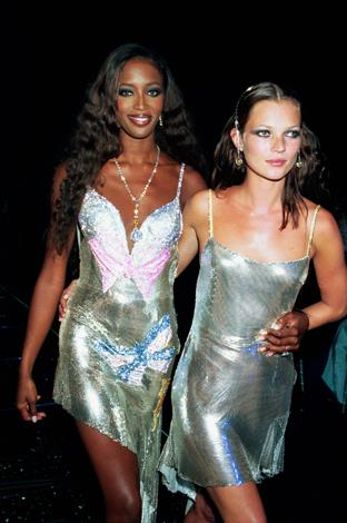 Naomi Campbell and Kate Moss attend the De Beers/Versace 'Diamonds are Forever' celebration in 1999.