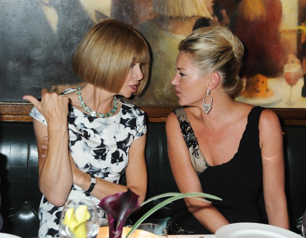 Kate Moss chats with US Vogue editor Anna Wintour.
