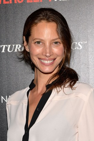 While some might expect the supermodels of the 90s to age well, Christy Turlington has managed to top the class. The 43-year-old is a huge fan of yoga the years spent taking care of her skin and body have paid off.