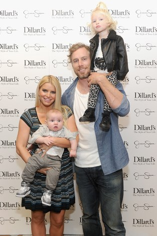Jessica Simpson and Eric Johnson gave their second child a very unusual, Ace Knute (pronounced Ka-nute). The strange middle name is reportedly in honour of Johnson's Swedish paternal grandfather, Knute Johnson. Their pair have one other child, a girl, Maxwell.