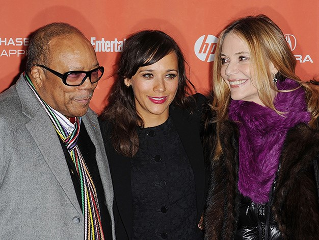 Comedian and actress Rashida Jones is the daughter of actress Peggy Lipton and music mogul Quincy Jones.