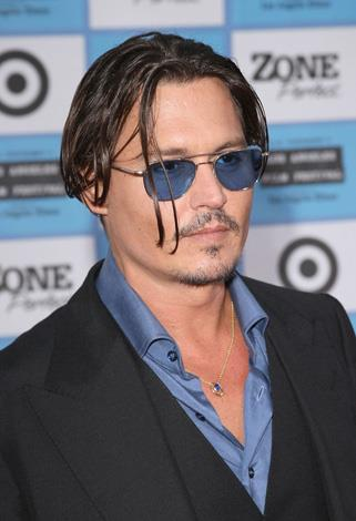 Johnny Depp doesn't face much criticism when it comes to his looks but his thinning facial fuzz has certainly seen better days.