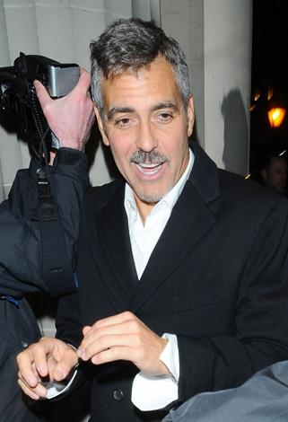 Silver fox George Clooney isn't doing himself any favours with this salt and pepper smattering on his face.