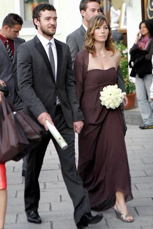 Jessica Biel was a bridesmaid for her 7th Heaven co-star, Beverly Mitchell in Ravello, Italy in 2008.