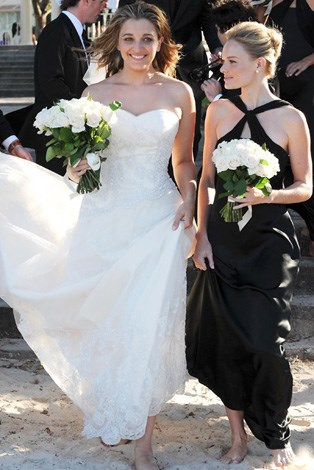Kate Bosworth flew all the way to Sydney to stand beside her friend in 2008 at her beach wedding.