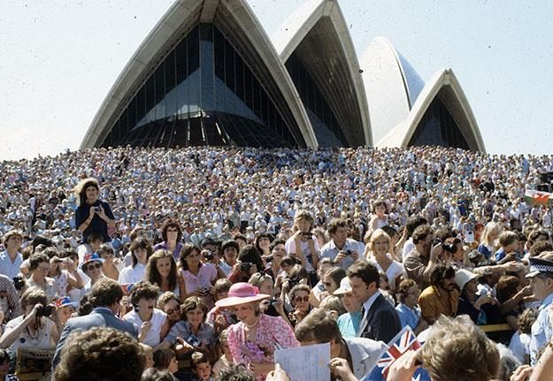 Princess Diana greeting the crowds at the Opera House in 1983.
