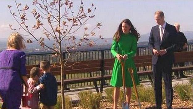 Prince William and Kate Middleton plant tree
