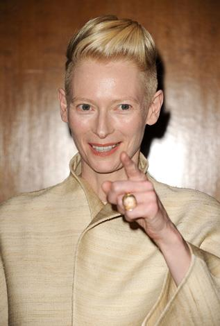 Tilda Swinton gave birth to twins Honor and Xavier in 1997.