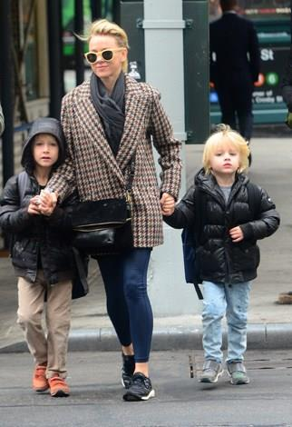 Naomi Watts had her second son Samuel in December 2008 at age 40. Watts and partner, Liev Schreiber already had one boy together, Sasha, born the year before.