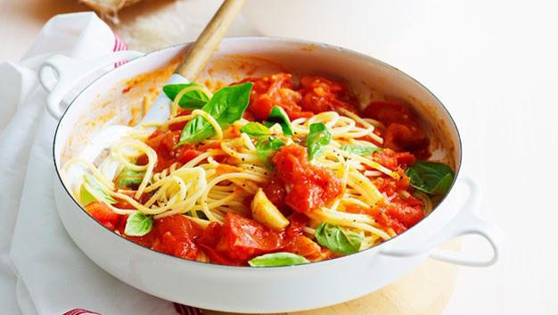 Spaghetti pomodoro fresco (Fresh tomato spaghetti) [Click here for the recipe](http://www.aww.com.au/food/recipes/2013/3/spaghetti-pomodoro-fresco-fresh-tomato-spaghetti)