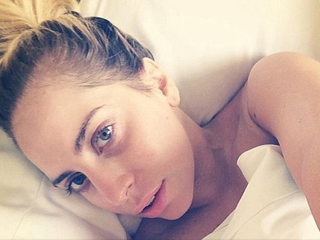 Lady Gaga's latest no-makeup selfie has clearly been embraced by her fans with over 230,000 likes already on Instagram.