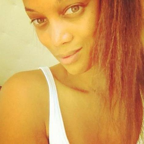 Supermodel Tyra Banks shows off the face that made her famous.