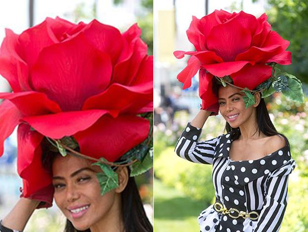 Model Eliza Cortez settled opted for a super-sized rose bud.