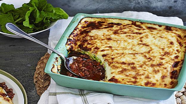 "**[Low-carb lasagne](https://www.womensweeklyfood.com.au/recipes/low-carb-lasagne-26789|target=""_blank"")**"