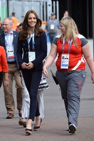 Kate wore one of her Zara navy blazer and skinny jeans, along with her much-loved wedges.
