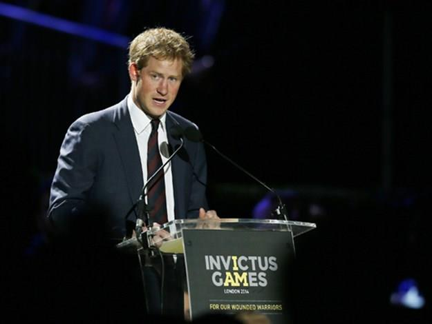 Prince Harry addresses the crowd and thanks the tournament's brave competitors at the first Invictus Games.