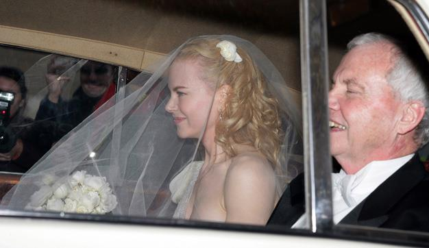 Another shot of Nicole Kidman and her father Antony on Nicole's wedding day to Keith Urban in 2006.