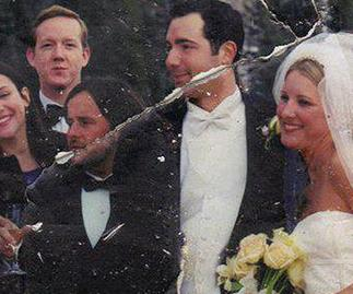 The wedding photo found in the debris of The World Trade Centre