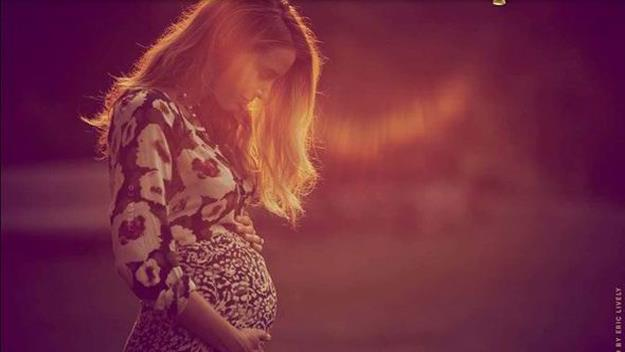 Blake Lively shows off her baby bump. Picture: Eric Lively/Preserve