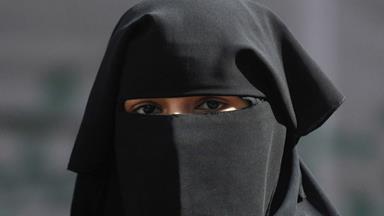 Parliament burqa ban dumped