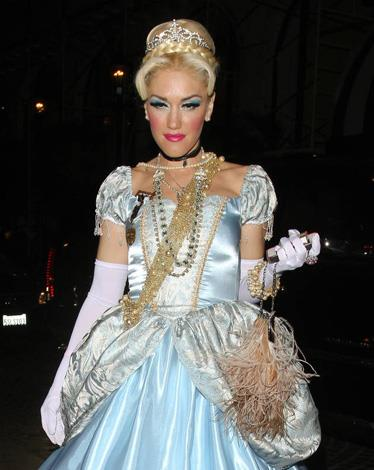 Gwen Stefani traded in punk for princess in this pale blue gown.