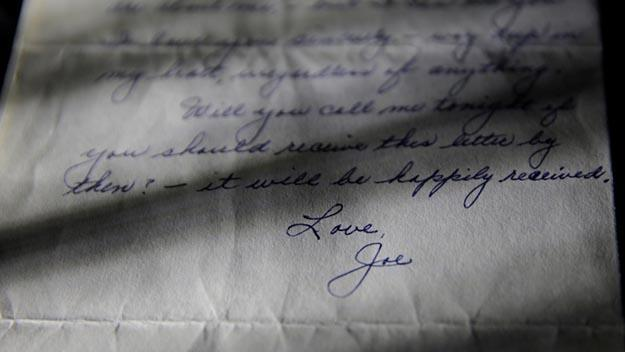 A handwritten letter from Joe DiMaggio to his wife at the time, Marilyn Monroe. PHOTO: Julien's Auctions.