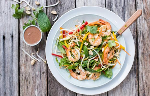 The team at EATFITFOOD also give you recipes online to help you create healthy meals at home.