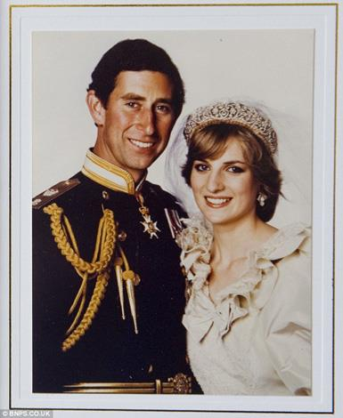 Princess Diana and Prince Charles used their wedding photo as their Christmas card for 1981.