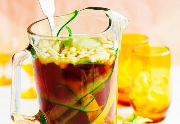 [Pimm's No. 1 punch.](http://www.aww.com.au/food/recipes/2011/9/pimms-no-1-punch/) <br><br> Originating from the UK, Pimm's is a summertime staple - perfect for us folk Down Under at Christmas time!