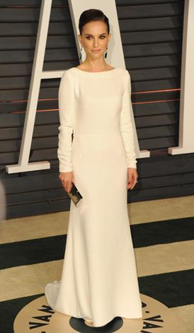 Natalie Portman kept it simple and very, very chic.