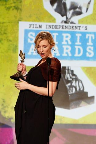 Cate was pregnant and glowing when she won a Spirit Award in 2008.