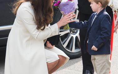 Duchess of Cambridge visits set of Downton Abbey