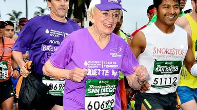 Two-time cancer survivor runs marathon at 92