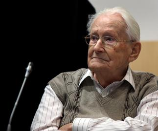 "The ""bookkeeper of Auschwitz"" stands trial"