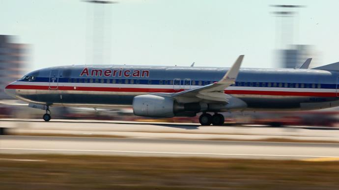 American Airlines pilot dies mid-flight