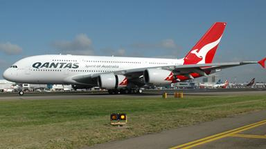 Qantas on alert over missile strikes