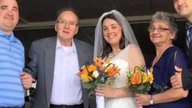 Wheelchair-bound father's sweet gift for bride