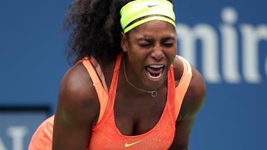 Serena Williams chases down thief who stole her mobile phone