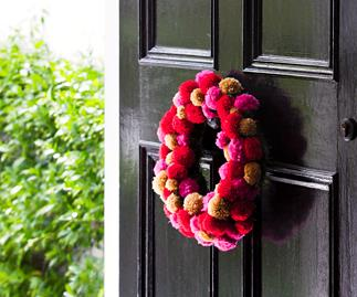 Create this stunning Pompom wreath