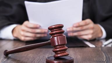 Judge apologises after asking rape victim why she didn't 'just keep her knees together'